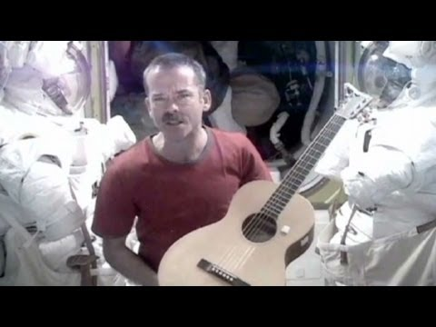 Astronaut sings David Bowie's 