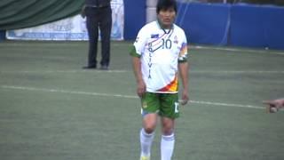 بالفيديو..رئيس بوليفيا لاعب خط وسط في نادي