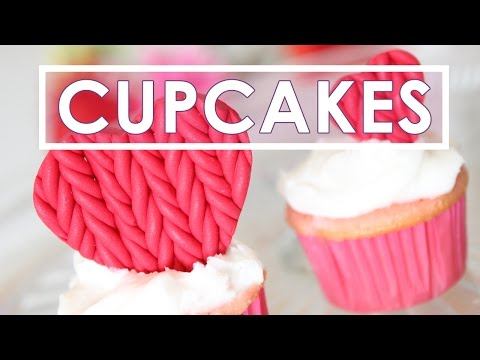 How to Decorate Cupcakes with Knitted Hearts