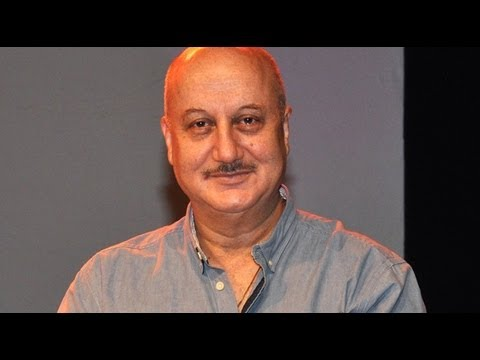 Anupam Kher's Play 'Kuchh Bhi Ho Sakta Hai' Celebrates it's  300th Show