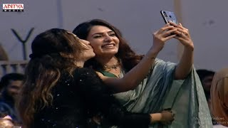 Fan Takes Selfie With Samantha @ Jaanu Grand Release Event LIVE   Sharwanand, Samantha - ADITYAMUSIC