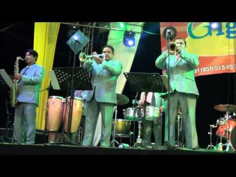 Musical gigantes en vivo desde Santa Ana Tavela 2013