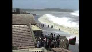 30,Oct 2014 - All efforts made to tackle cyclone Nilofar, says Indian navy - ANIINDIAFILE