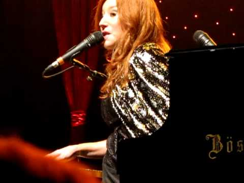 Tori Amos Oct 18th 2011 Jackie's strength