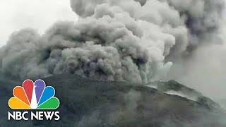 Erupting Japanese Volcano Sends Ash Billowing 19,000 Feet Into The Sky | NBC News - NBCNEWS