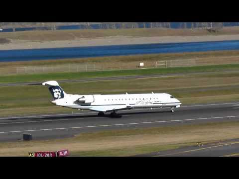 Alaska Airlines CRJ700 Takes Off From PDX On Runway 10L 5)