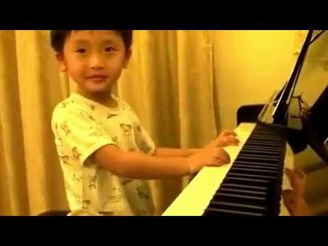 4 Year Old Boy Plays Piano Better Than Any Master
