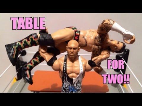 WWE ACTION INSIDER: CM Punk vs Ryback Mattel Battle Pack series 29 wrestling figure toy review!