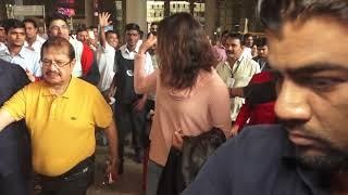 Priyanka Chopra Returns To Mumbai From US For Christmas - HUNGAMA