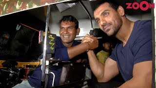 Star John Abraham's Entry In A Rickshaw At 'Satyameva Jayate' Screening - ZOOMDEKHO