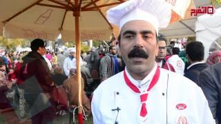 اتفرج.. أكبر طبق كشري في العالم مصري