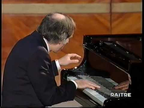 DEBUSSY : IMAGES OUBLIEES - pianista BRUNO CANINO