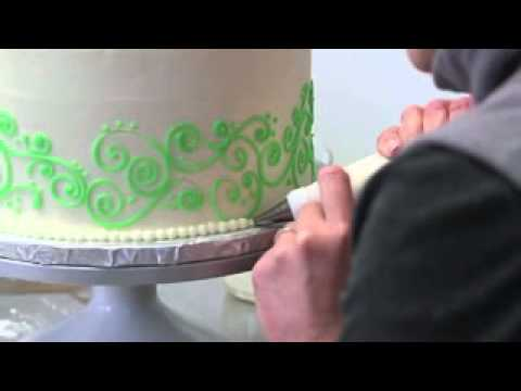 Cake Decorating at Eat Cake! in Newburyport, Massachusetts
