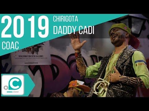 Sesión de Preliminares, la agrupación Daddy Cadi actúa hoy en la modalidad de Chirigotas.