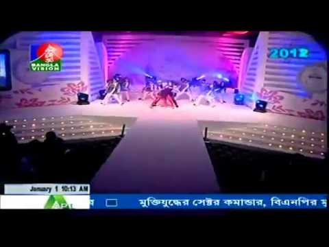Bangla Song & Dance by Niloy & Shokh   Chupi chupi bolo keo www rubelbarua weebly com