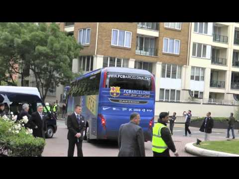 FC BARCELONA TEAM LEAVE HOTEL FOR CHAMPIONS LEAGUE FINAL 2011 'EXCLUSIVO'  FULL HD
