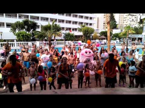 Nuestra Mascota Pulpi baila en el Hotel Poseidon Resort de Benidorm