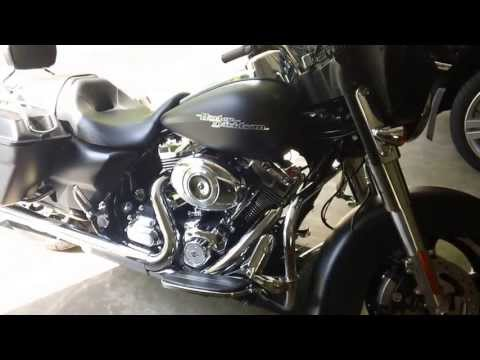 2011 Harley Street Glide with Fuel Moto Jackpot exhaust and Woods 555 cams - sound byte