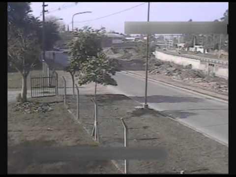 Violento vuelco de una camioneta en calle Alfredo Guzmán