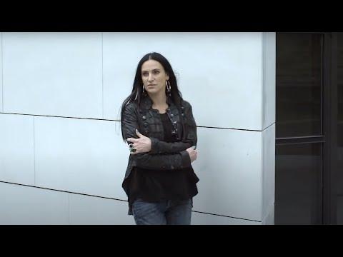 """Teledysk KAYAH """"Za późno"""", w którym zagrał Piotr Kaszubski"""