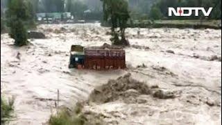 कुल्ली में भारी बारिश से बाढ़ - NDTVINDIA