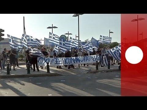 Protesty przeciwko budowie meczetu w Atenach