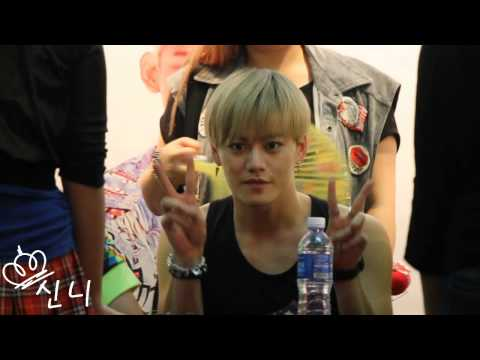 131129 LC9 Bugis Junction Fansign - Jun, Rasa