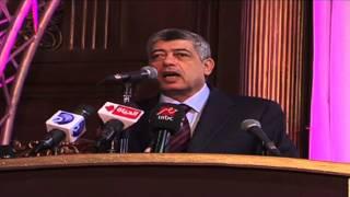 وزير الداخلية يكرم أهالي شهداء حادث تفجير مديرية أمن الدقهلية