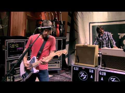Foo Fighters - 11. Walk (LIVE @ Studio 606)