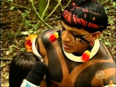 Grupo de índios do Xingú visita escola de Tatuí, SP