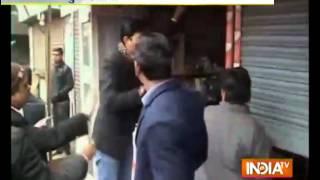 Advocates vandalise court premises in Muradabad - INDIATV