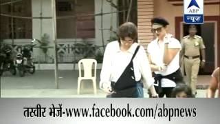 Actress Rekha casts vote in Mumbai - ABPNEWSTV