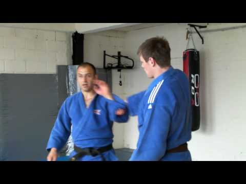 Judo Grips- Georgi Georgiev teaches his gripping skills at his Congleton Academy.