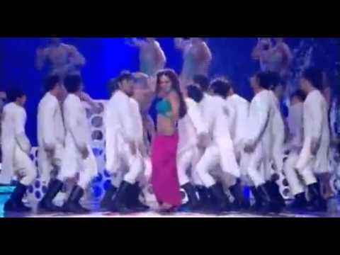 Bipasha Basu performance at IIFA 2011