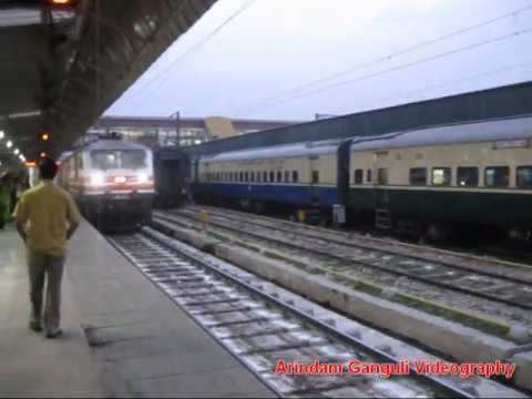150kmph run-WAP5 gears Bhopal Shatabdi for action!!!!!!!