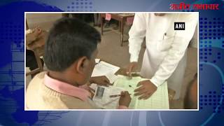 video : अगरतला में मुख्यमंत्री माणिक सरकार ने डाला वोट