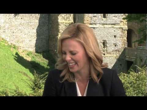 SNOW WHITE AND THE HUNTSMAN interviews with Kristen Stewart, Charlize Theron, Hemsworth - YouTube