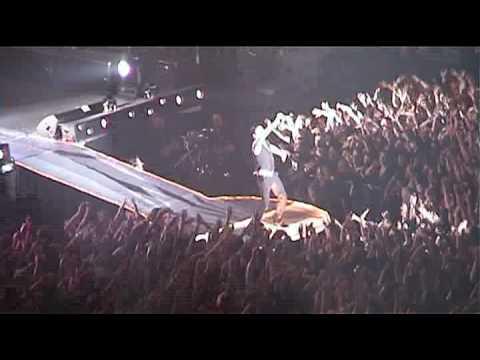 Koncert Depeche Mode w Spodku w 2006 roku.