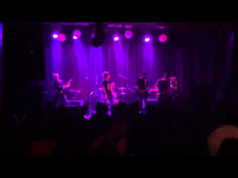 Divine Remains Live @ Mikros Prigkhpas - Am I Evil (Metallica cover)