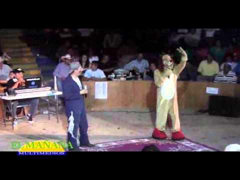 El Perro Guarumo en el Palenque de Gallos de la FENAHUAP 2012