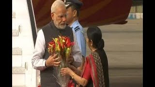 PM Modi arrives in India, received by Sushma Swaraj - ABPNEWSTV
