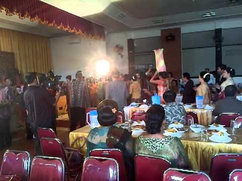 party wedding great culture batak