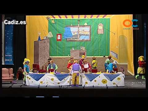 Sesión de Preliminares, la agrupación La familia real actúa hoy en la modalidad de Chirigotas.