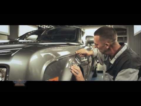 Mark Court maluje limuzyny szejków z Dubaju