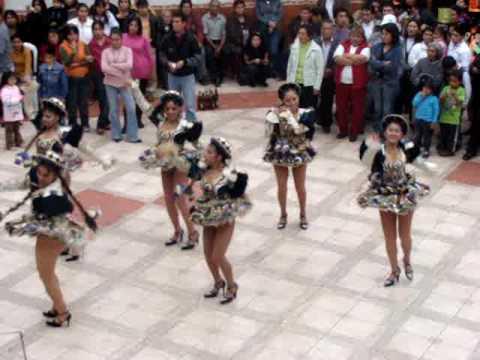 Baile de Saya en la fiesta