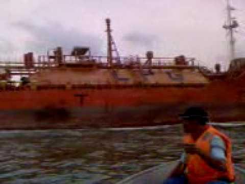 Nyaris di langgar kapal ketika memancing di teluk kabong