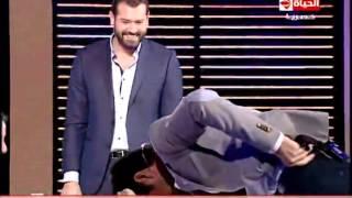 بالفيديو.. لحظة محرجة لـ«ممثل لبناني» على الهواء