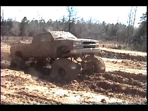 CHEVY 4X4 TRUCK WITH HUGE 505 BIG BLOCK MUDDIN