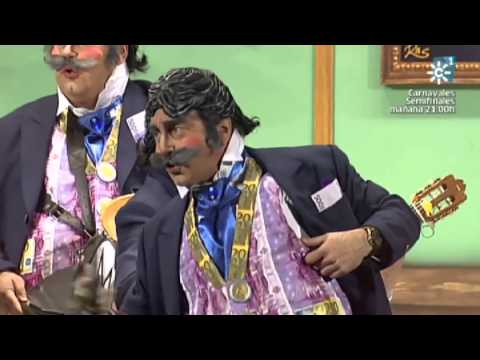 Sesión de Semifinales, la agrupación Las verdades del banquero actúa hoy en la modalidad de Chirigotas.