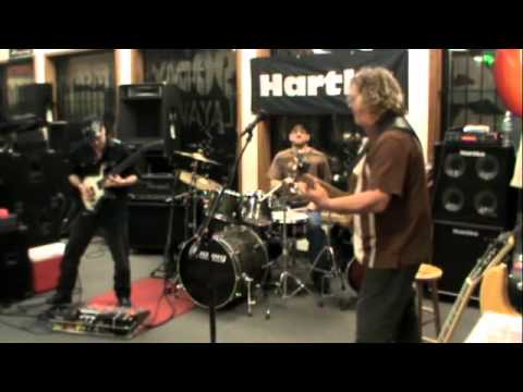Lone Star ©Stu Hamm featuring Vince Genella Bass & Guitar Clinic Ritchie